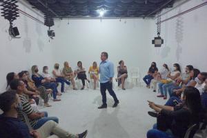João Almeida acolhe propostas de assistentes sociais e destaca importância da categoria