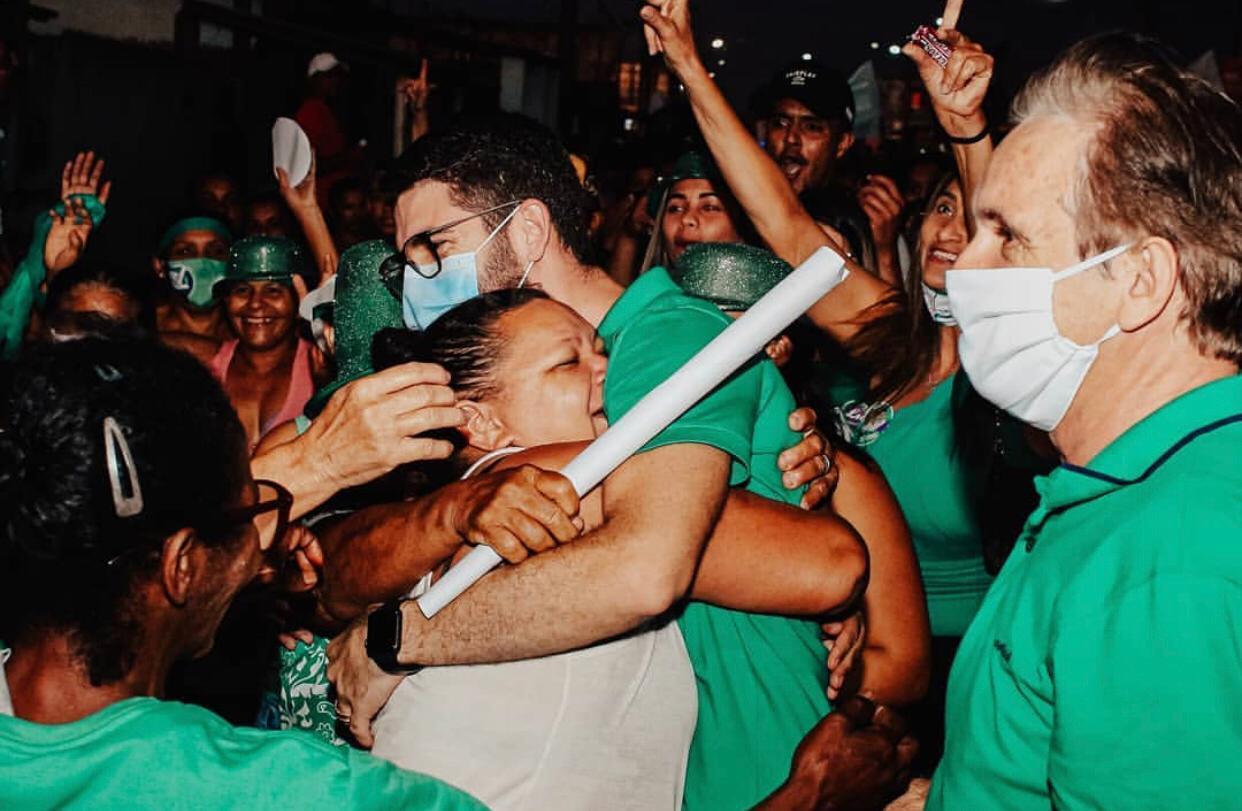 Pedras de Fogo: Lucas Romão inicia campanha com atividade porta a porta e é abraçado pela população do bairro Santo Antônio