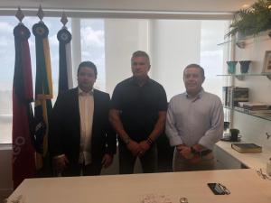 Conforme antecipado pelo Blog, PSL anuncia apoio a João Almeida e indica Carlisson para vice