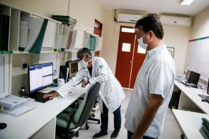 Trabalho de Ruy na saúde, assistência social e esportes são destaque no guia eleitoral