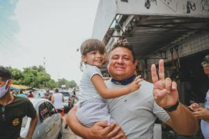 Wallber Virgolino visita feira do Grotão, em João Pessoa