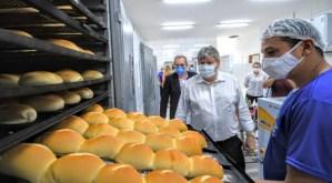 João Azevêdo entrega reforma da padaria da Fundac e garante ambiente adequado para profissionalização de reeducandos