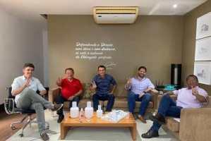 PSDB, PSC e PSD anunciam apoio a Nilvan Ferreira no 2º turno