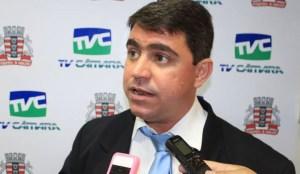 Dinho nega acordo com Mikika Leitão e reafirma compromisso com grupo de vereadores