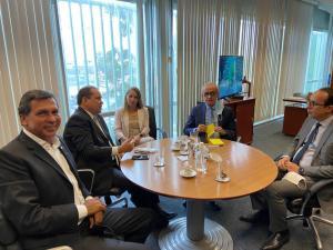 No Ministério do Turismo, Cícero debate projetos em andamento e soluções para aquecer o setor na capital