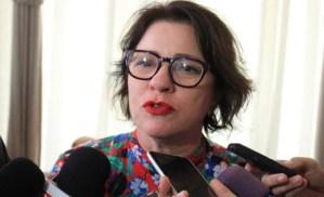 CALVÁRIO – Márcia Lucena realiza rifa de quadro de artista plástico para pagar advogados