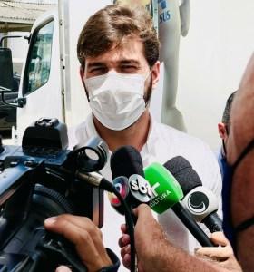 Bruno abre oficialmente a campanha de imunização contra a Covid-19 em Campina Grande