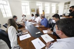 Dinho se reúne com presidente da Caixa e encaminha pedido para construir nova sede da CMJP