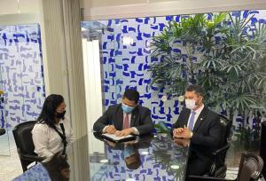 Nailde Panta toma posse como senadora pela Paraíba