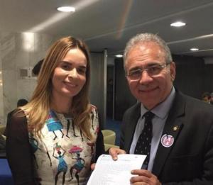 Daniella Ribeiro deseja boa sorte para Marcelo Queiroga, médico que assume o Ministério da Saúde