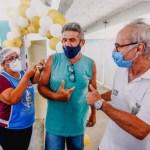 Prefeito visita postos de vacinação em João Pessoa e inicia campanha para arrecadar alimentos