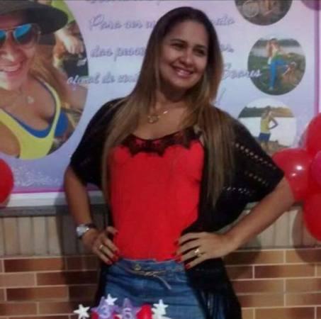 Sócia da empreiteira, Gisele Pinho Soares seria esposa do vereador Ivo Gomes