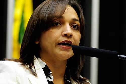 Eliziane Gama vê relação com a proximidade de delação da Odebrecht