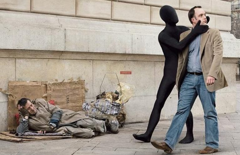 IS Os Invisíveis da Sociedade