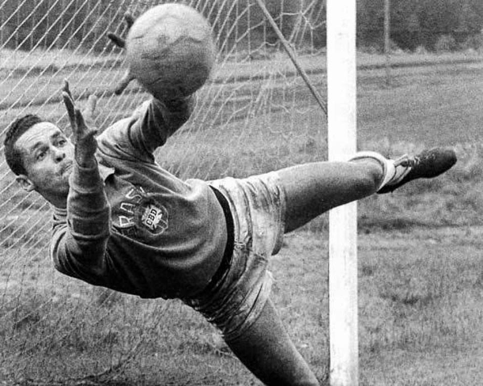 Gilmar-1 Os Melhores Goleiros Brasileiros da História do Futebol