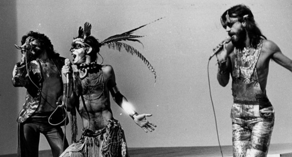 SMo Secos & Molhados: A Banda Mais Chocante da Música Brasileira