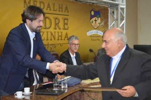 Diogo Moraes e o Padre Bianchi