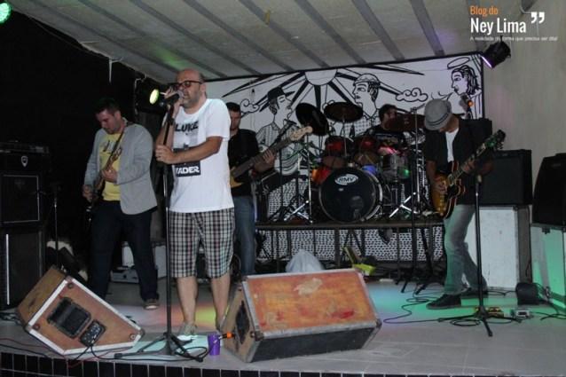 """Banda santacruzense """"Le Freak"""" foi uma das principais atrações da primeira noite do evento"""