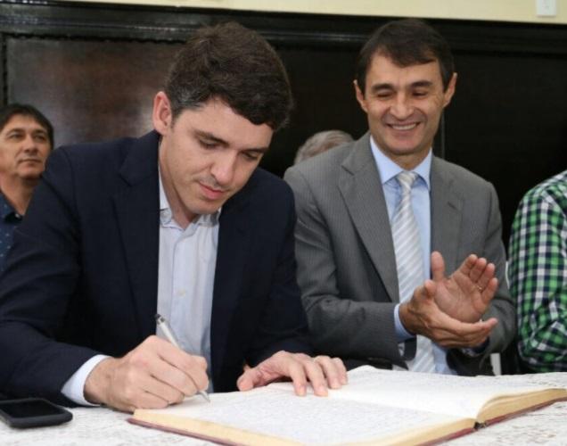 tavas - Tovar está mesmo satisfeito na PMCG com o tratamento e os espaços dispensados pelo prefeito Romero?