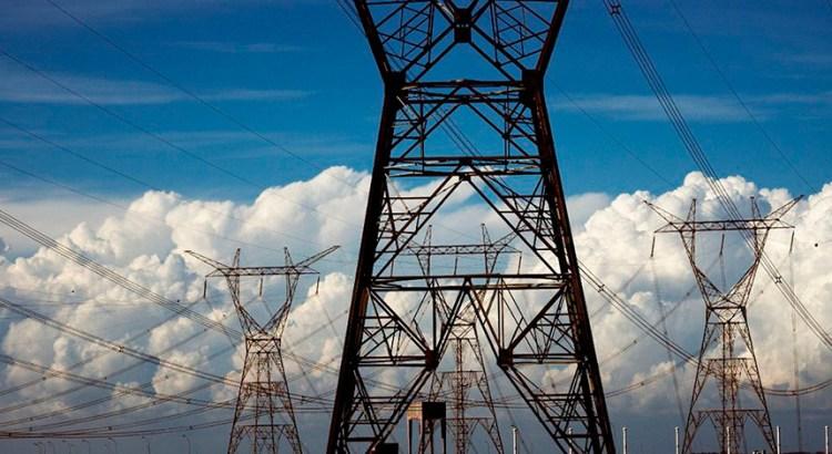 apos-ter-veto-derrubado,-bolsonaro-promulga-beneficio-para-geradoras-de-energia