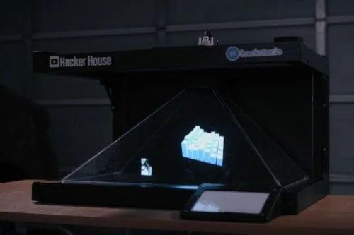 Hacker House Raspberry Pi holographic visualiser