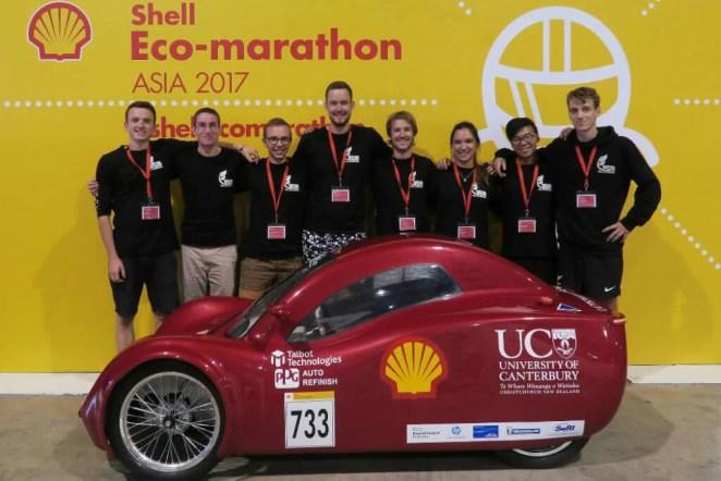 Team EnduroKiwis with its design award-winning vehicle at the 2017 Shell Eco-marathon