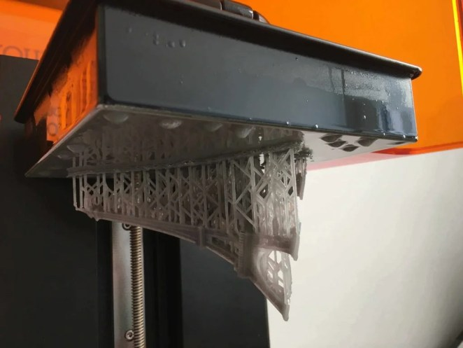 Formlabs Form 2 Review Build Plate