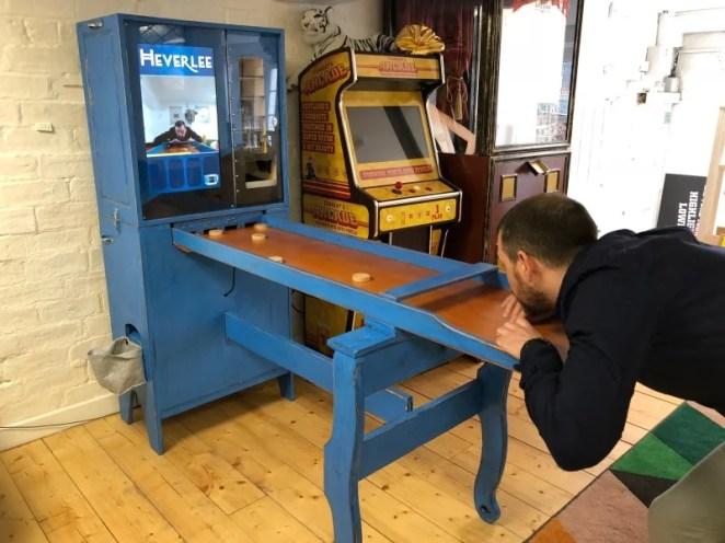 Heverlee Sjoelen is a Raspberry Pi-controlled shuffleboard game