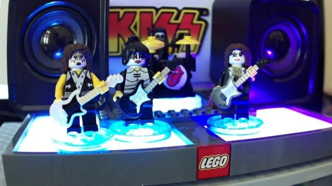 LEGO figures dressed as member of the band KISS