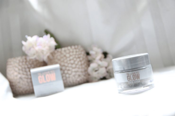 PS love to glow face mask 1