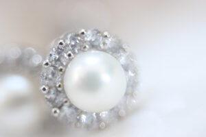Witgouden Parel Oorbellen van Mostert Juweliers