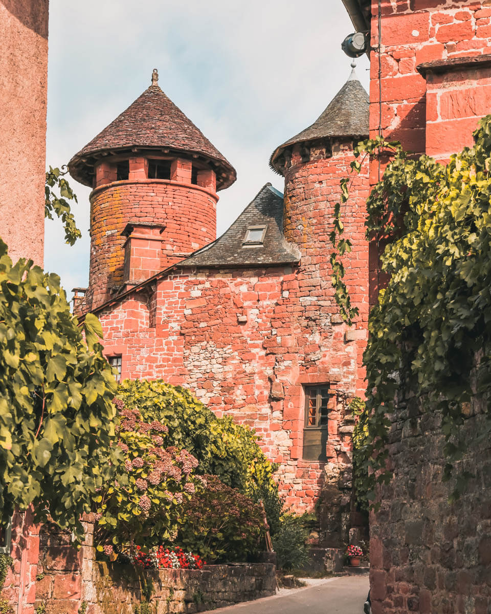 Collonges-la-Rouge-castelo