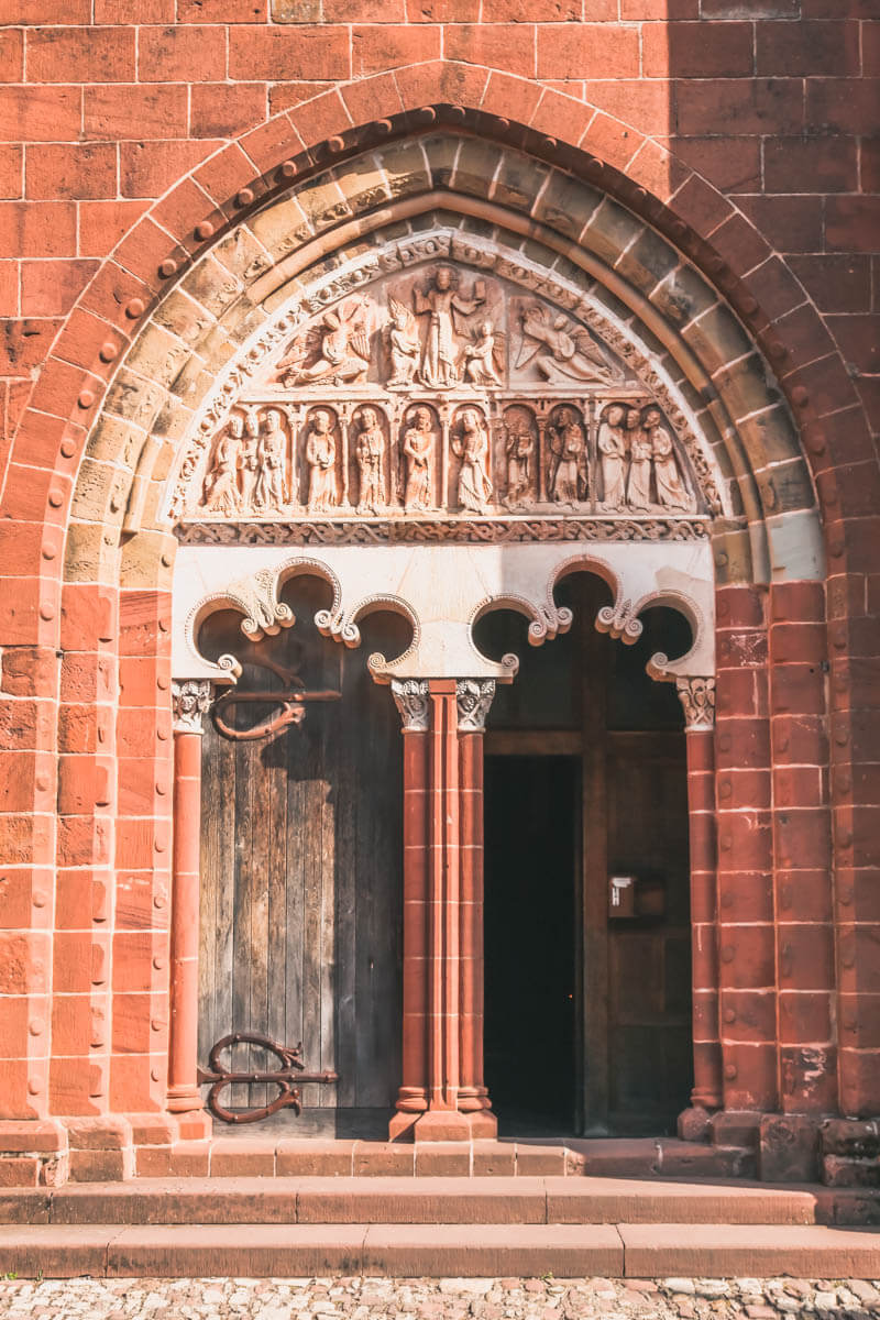 Collonges-la-Rouge-porta