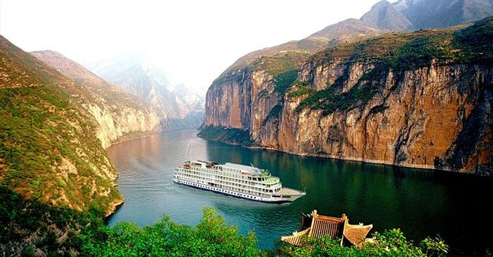 Cruising the Yangtze