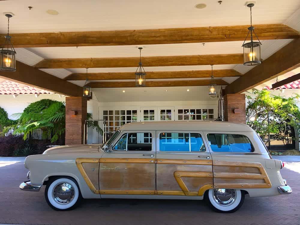 Woodie car at hotel