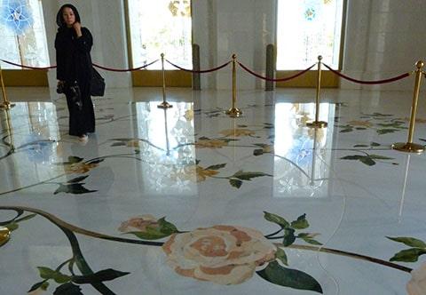 Abu Dhabi mosque marble floor