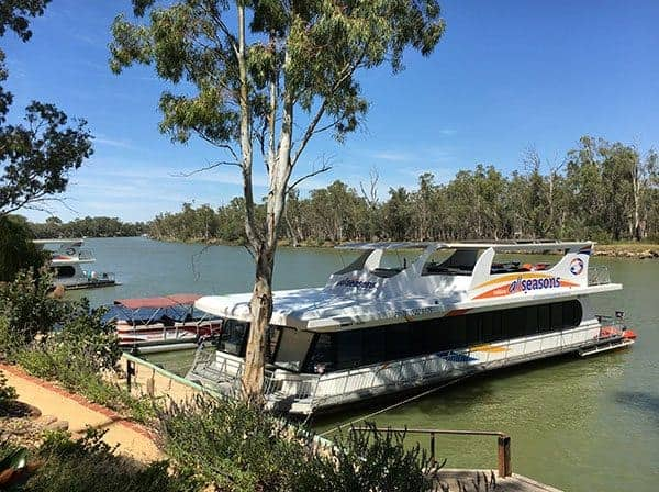 Murray River houseboat