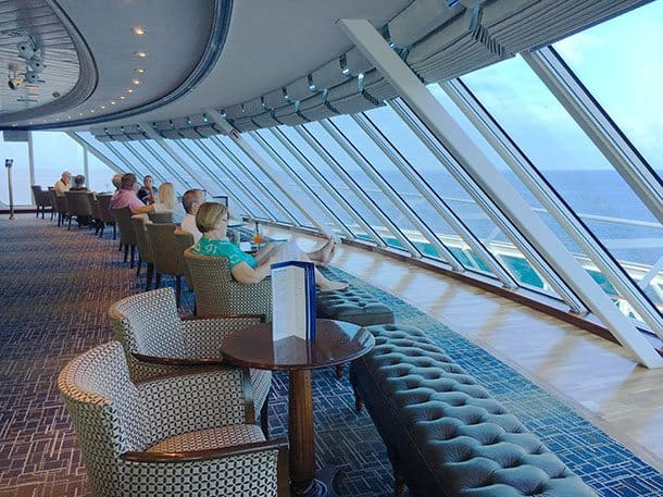 Vision of the Seas lounge