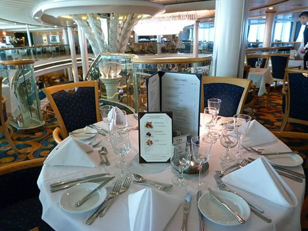 Vision of the Seas main dining