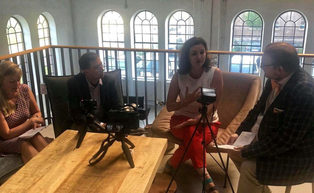 Dorothee Bär im Interview mit (v.l.) Tanja Praske, Franz Neumeier, Matthias J. Lange
