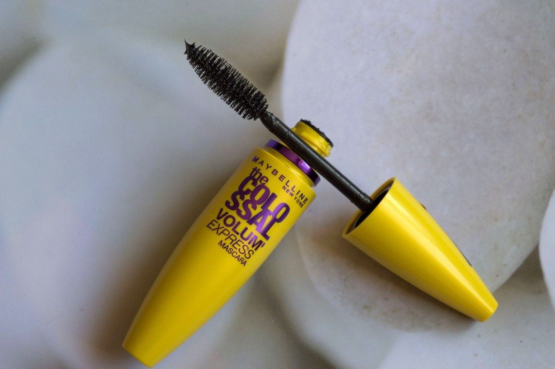 Maybelline The Colossal Volum Express Mascara (1)