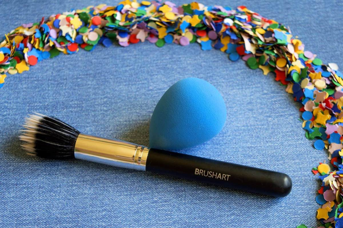 Brush Art Make-up Tools (Or How I Apply My Foundation)
