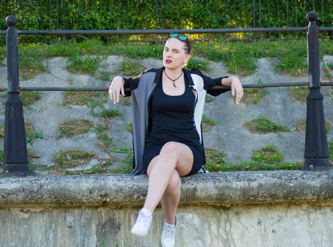ootd edgy look - 5 ways to look more confident (6)