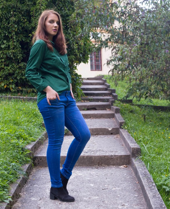 back-to-school-outfit-2-the-perfect-pair-of-jeans-and-the-green-shirt-2
