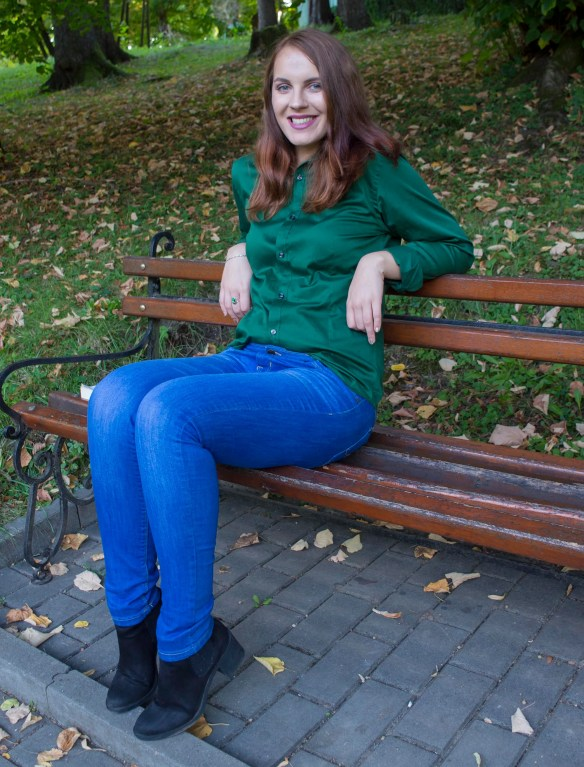 back-to-school-outfit-2-the-perfect-pair-of-jeans-and-the-green-shirt-5