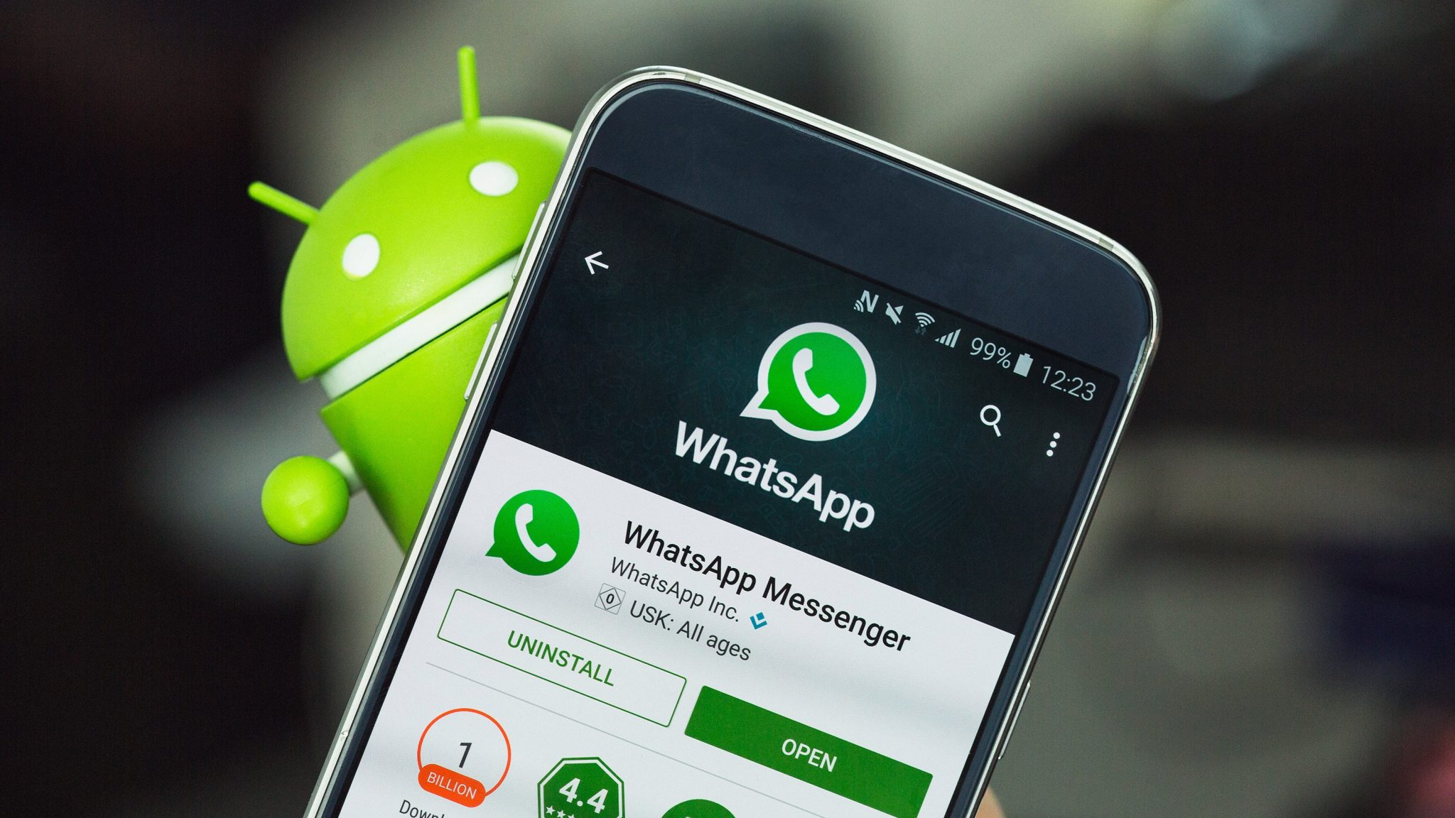 WhatsApp for iOS Brings Notification Status and More