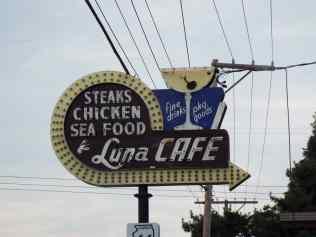 Luna Cafe neon