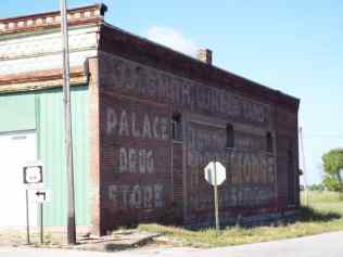 The Front Streets garage in Galena Kansas