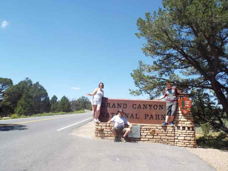 the entrance sign  to the Grand canyon National Park
