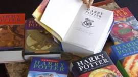 Libros Autografíados por JK, vendidos en la subasta en beneficio al Club Escocés de Rugby